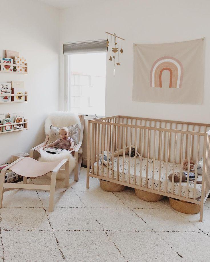 Adorable nursery! Cute gender neutral nursery inspo