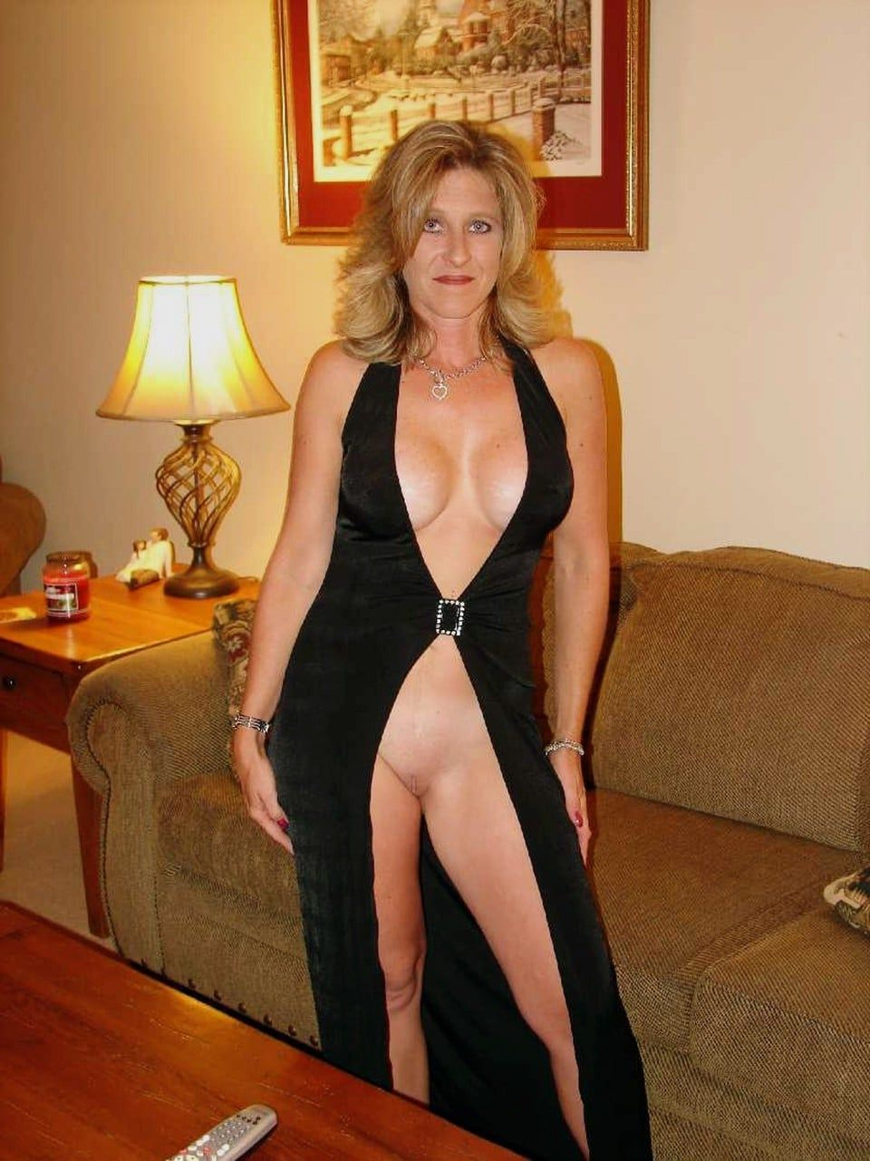 milf, mature, mom, cougar, wife, slut, whore, gif, dress, legs, side