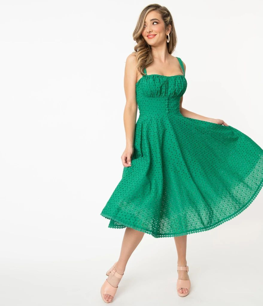Vintage Style Green Floral Eyelet Valerie Swing Dress In 2021 Swing Dress Dresses Unique Dresses [ 1023 x 879 Pixel ]