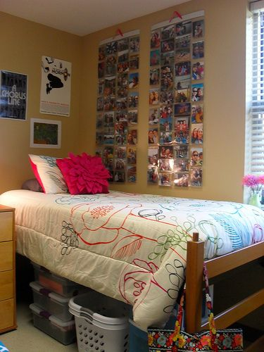 The Lovely Side Kelsey S Colorful Organized Dorm