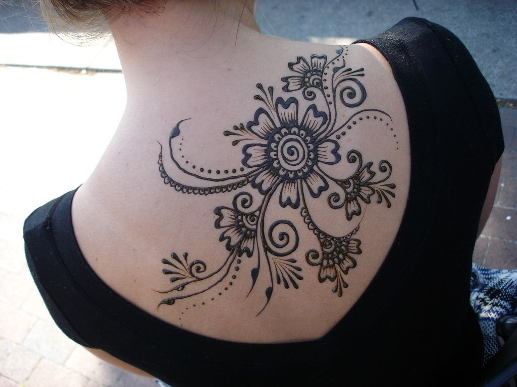 Mehndi Tattoo Flower Designs : See you some henna tattoos on back .. tattoo designs pinterest