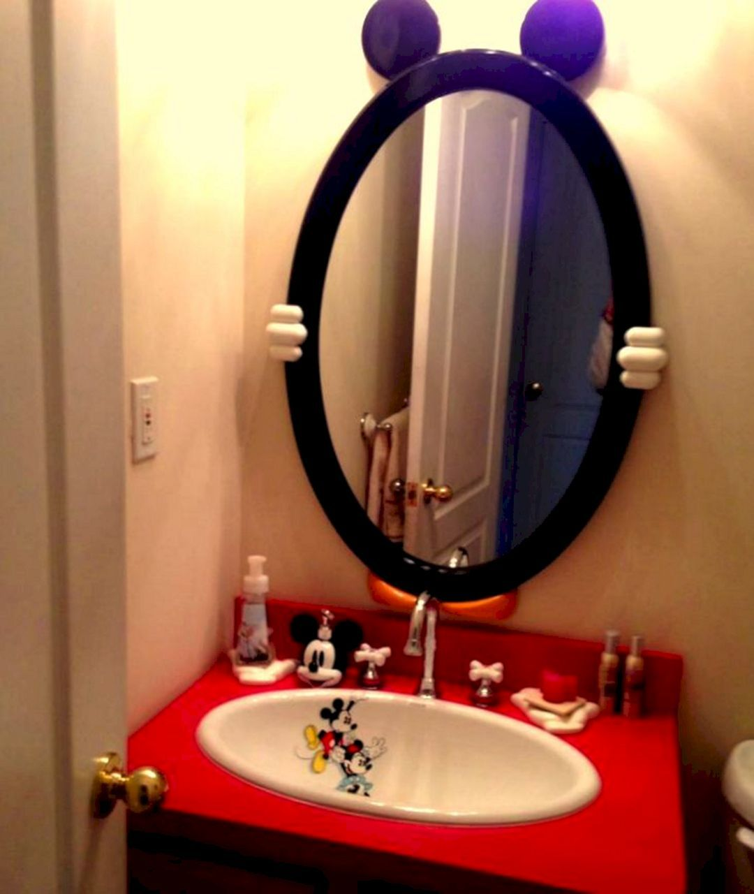 Sublime 35 Best Mickey Mouse Bathroom Collection Ideas For Your Kids Bathroom Https Freshouz Com 35 Be Mickey Mouse Bathroom Mickey Bathroom Disney Bathroom