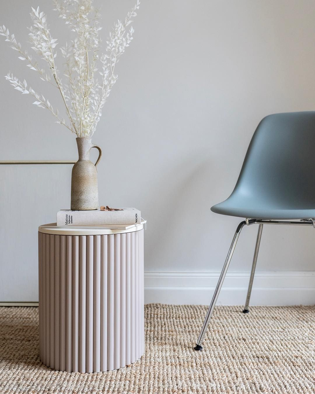 Diy Side Tables To Add More Storage To Your Living Room In 2020 Diy Side Table Side Table Decor Stylish Tables