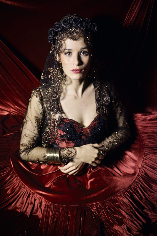 """Madame Periné """"Retratos del lado oscuro"""". Una producción de Rivas Atelier, Mulato Films y Monsieur Periné y la dirección artística de Alejandra Rivas Ramirez. Foto Mulato Films"""