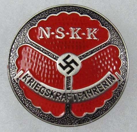 39: WW2 GERMAN NAZI NSKK MOTORCYCLE KOPS BADGE - PINBA : Lot 39
