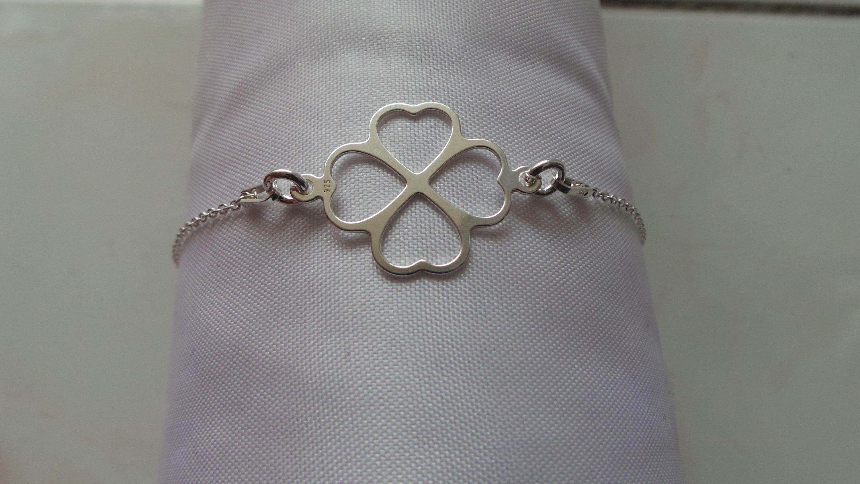 bracelet chance trèfle à quatre feuilles en argent 925 pour femme par MGNDcrea sur Etsy https://www.etsy.com/fr/listing/587514704/bracelet-chance-trefle-a-quatre-feuilles