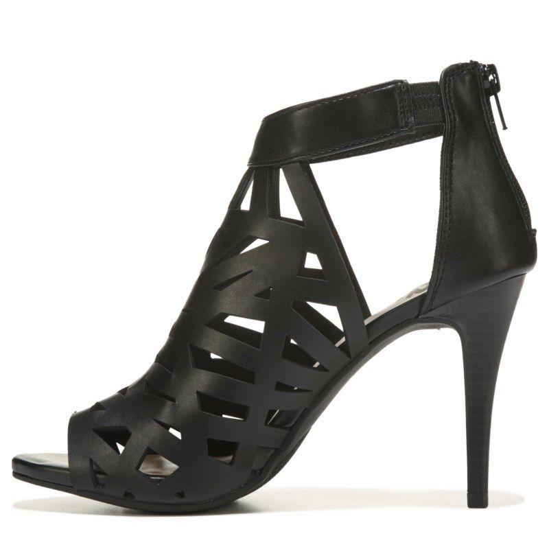 Fergalicious Women's Huddle Dress Sandals (Black) - 9.5 M