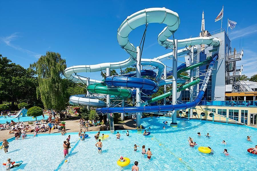 Camping Vakantie En Attractiepark Duinrell In 2020 Attractiepark Camping Glijbanen