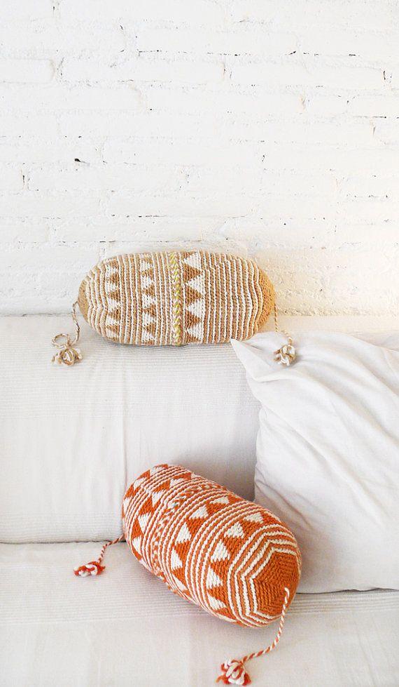Pillow Crochet Marrakech Beig triangles por lacasadecoto en Etsy, €26.00