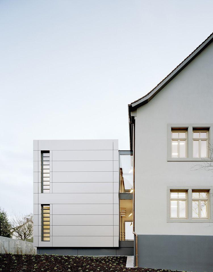 KANZLEIGEBÄUDE BALKENHOL Das Gebäude Steht Unter Denkmalschutz Und Wurde  Für Zwei Kanzleien Umgebaut. Auf Einem