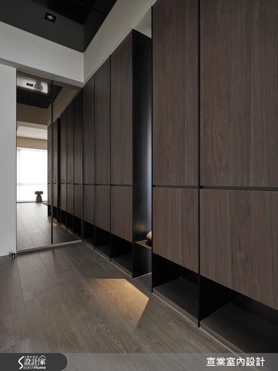 原木質感 滿點收納植入禪意的現代風宅居 Bedroom Closet Design