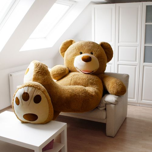 die besten 25 riesen teddyb r ideen auf pinterest riesiger ausgestopfter teddyb r riesen. Black Bedroom Furniture Sets. Home Design Ideas