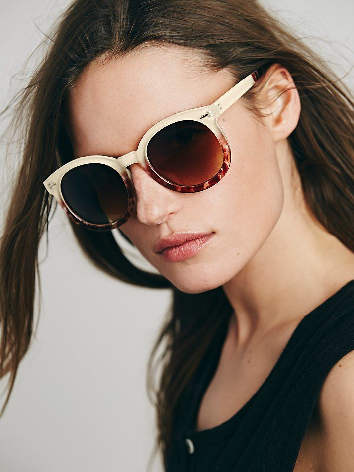 free-people-cream-tort-two-tone-abbey-road-sunglasses-beige-product-2-230850253-normal.jpeg (712×950)