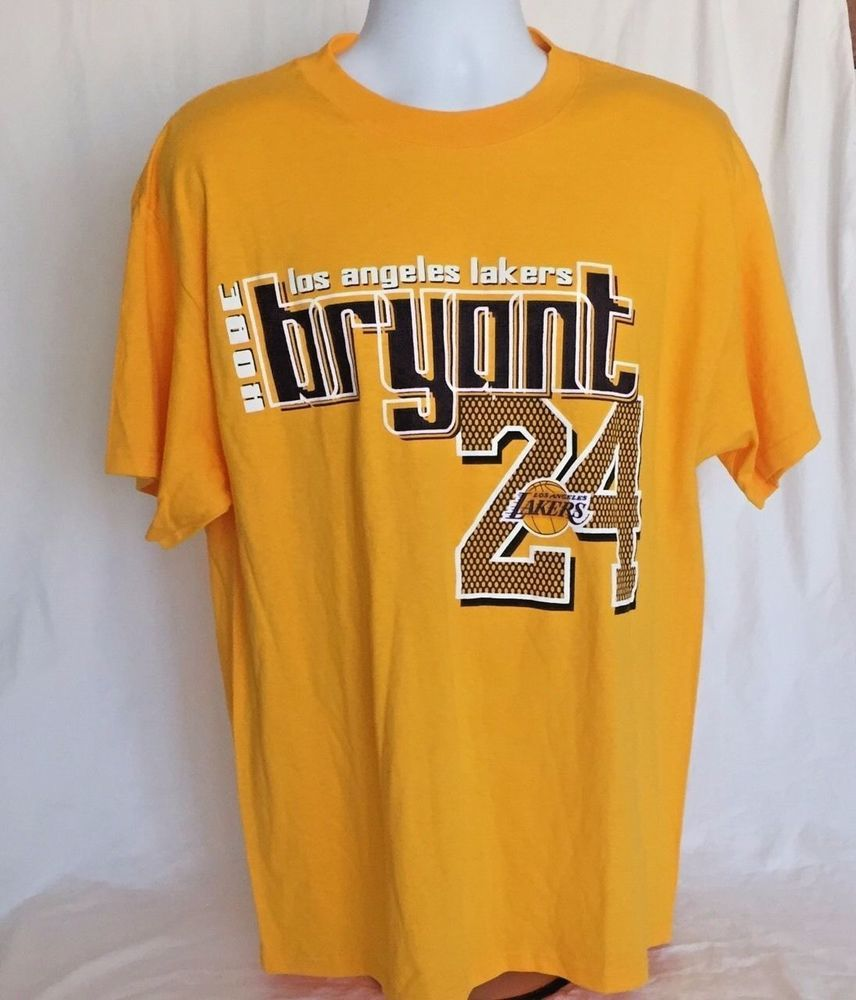 Los Angeles Lakers Large Tshirt Kobe Bryant 24 NBA Store LA Basketball  Mamba… d41ce8de2