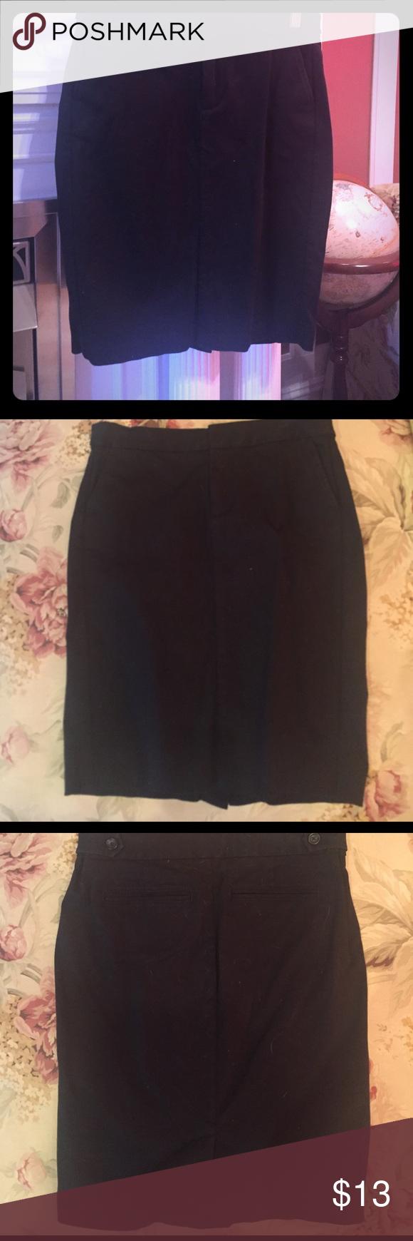 Pencil Skirt Black pencil skirt with LOTS of stretch. GAP Skirts Midi