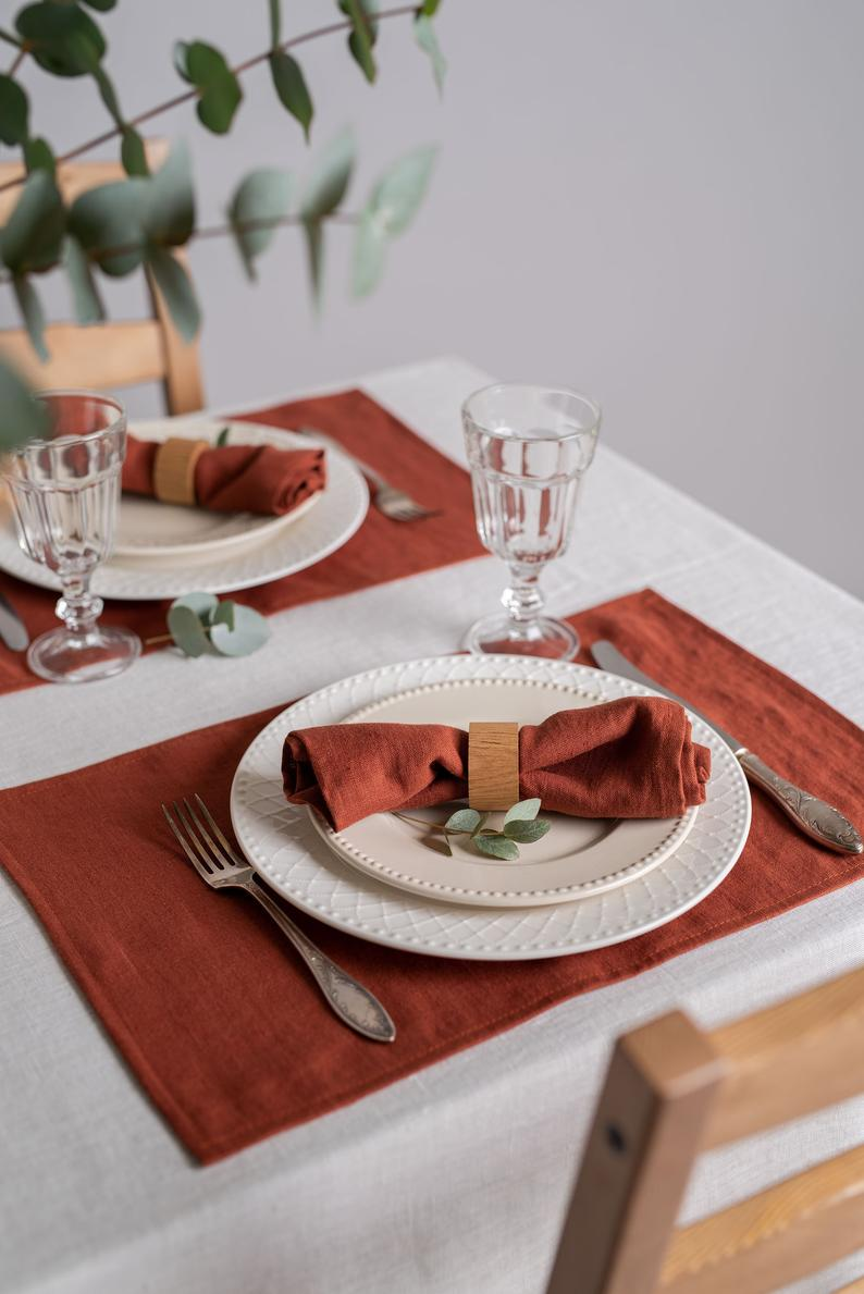 Redwood Linen Placemats Softened Linen Placemats Set Linen Etsy In 2020 Linen Placemats Dinner Table Decor Dining Room Table Centerpieces
