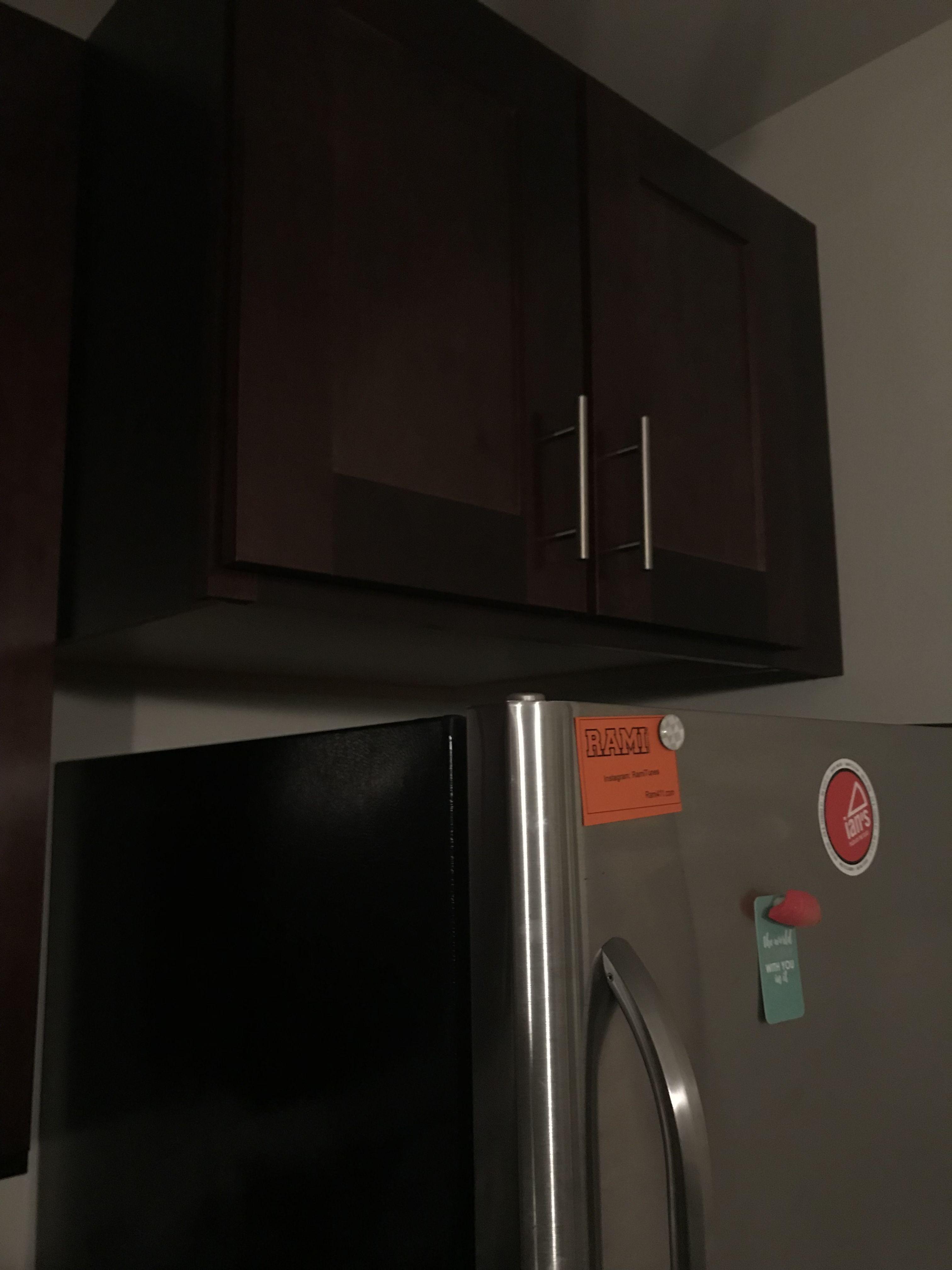 Deranged 5 Gap between fridge and Home