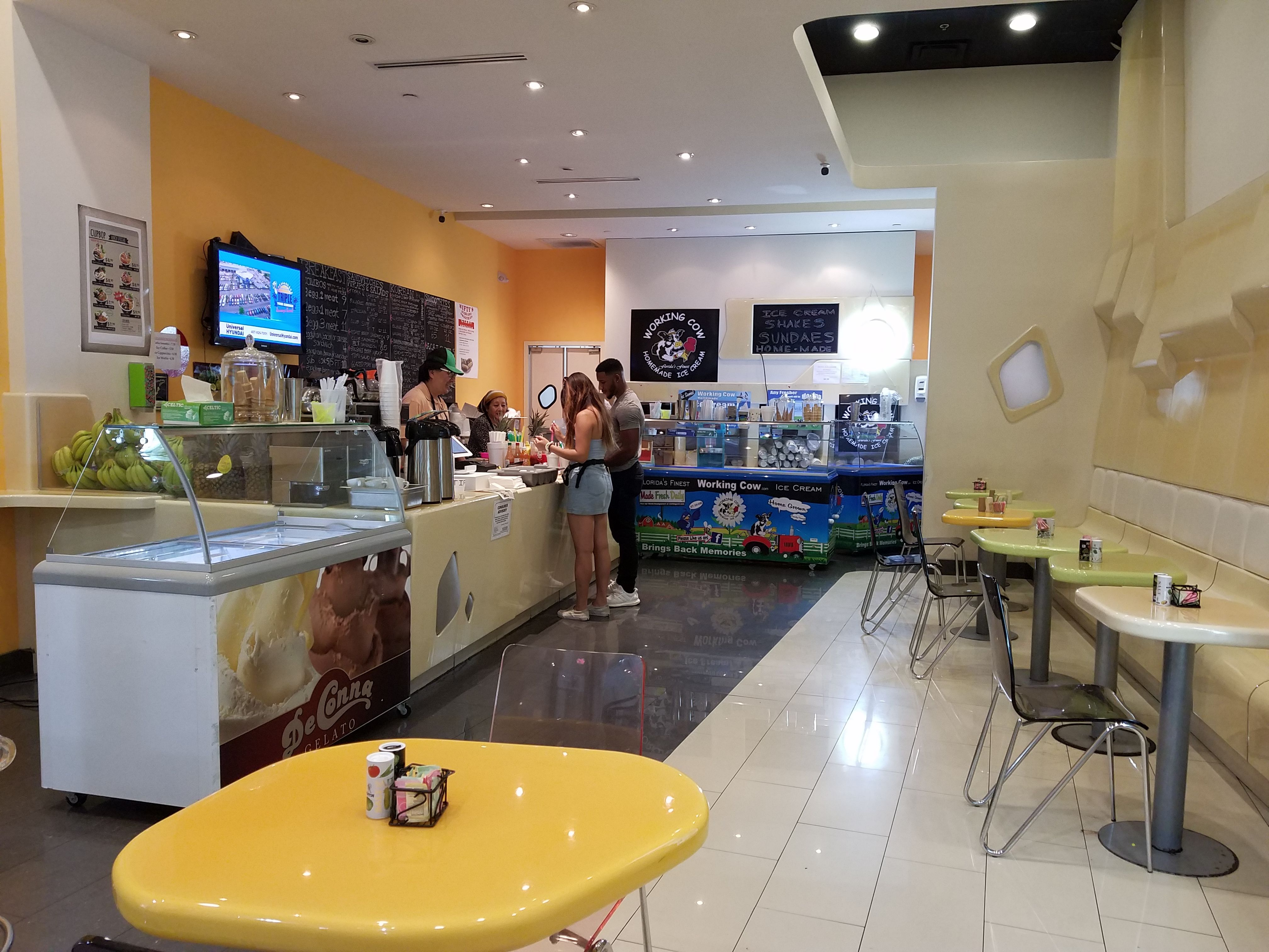 Delato Tv Meubel.Nifty S Sandwiches And Smoothies Serves An Array Of Items