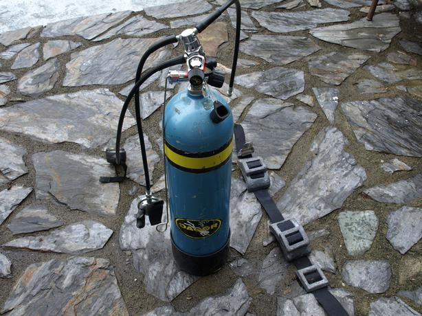 Dacor 80 Cu Ft Dive Tank And First Stage With J Valve Console And Second Stage Dacor Valve Console