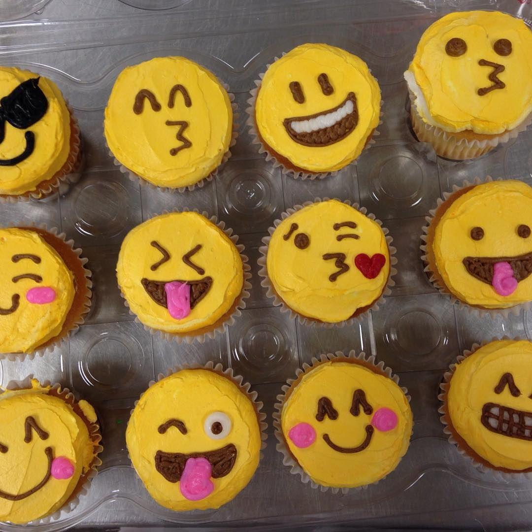 Ashton On Instagram Emoji Cupcakes Today Sweetdoebakery Baking Cake Icing Sugar Emoji Cake Emoji Cupcakes Savoury Cake