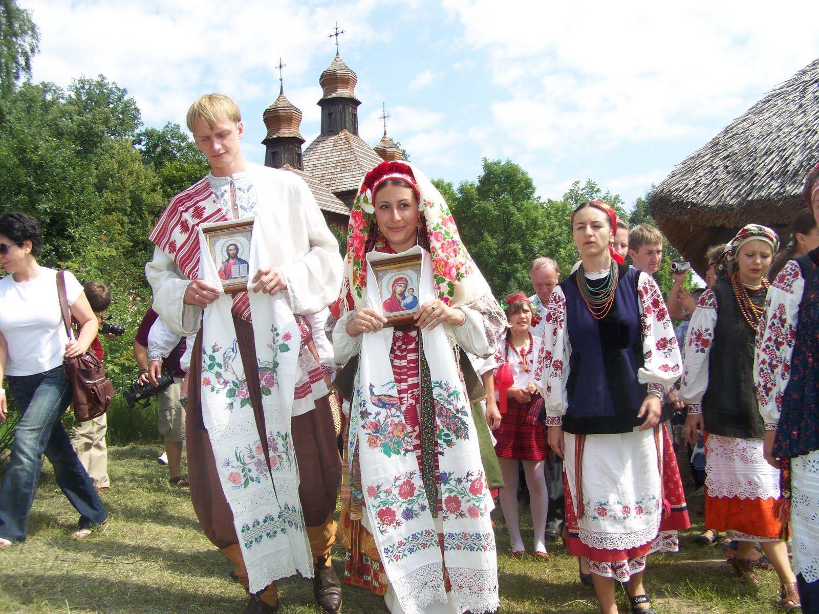 Рушник-украшение украинской свадьбы   Украина, Свадьба ...