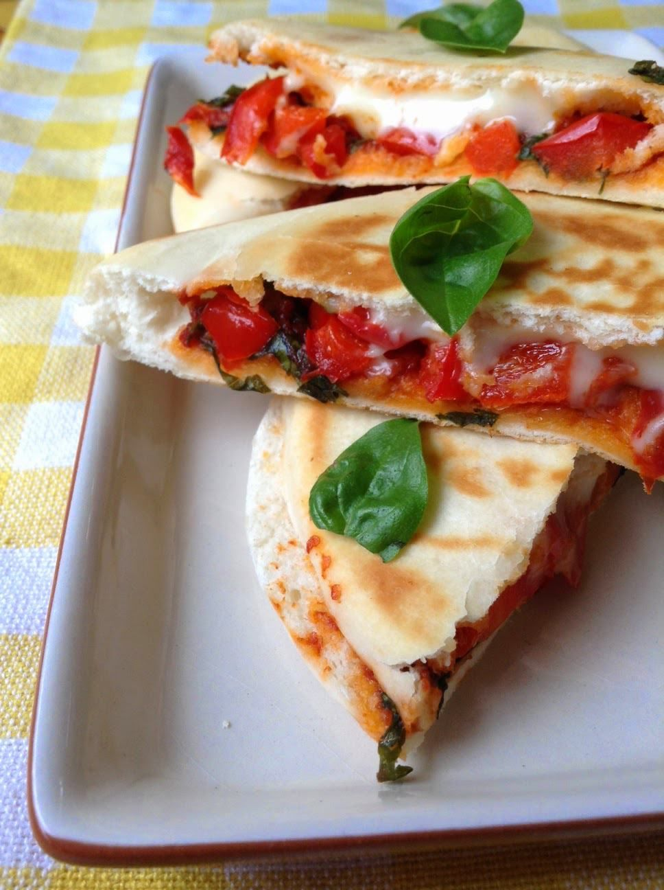 pita pocket pizza sandwich | recipe in 2018 | easy vegetarian