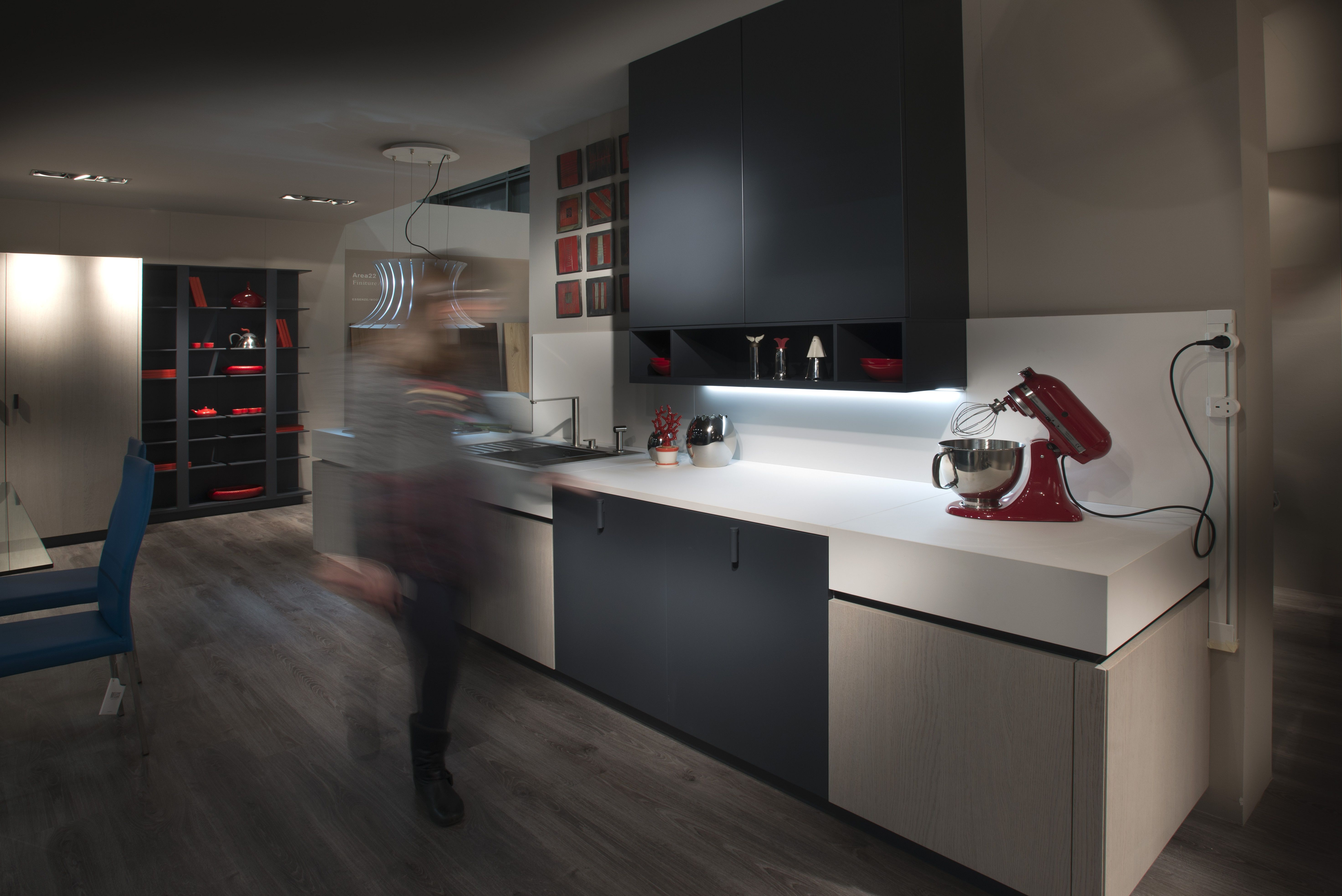 Want a modern kitchen design in your home? Use FENIX NTM super ...