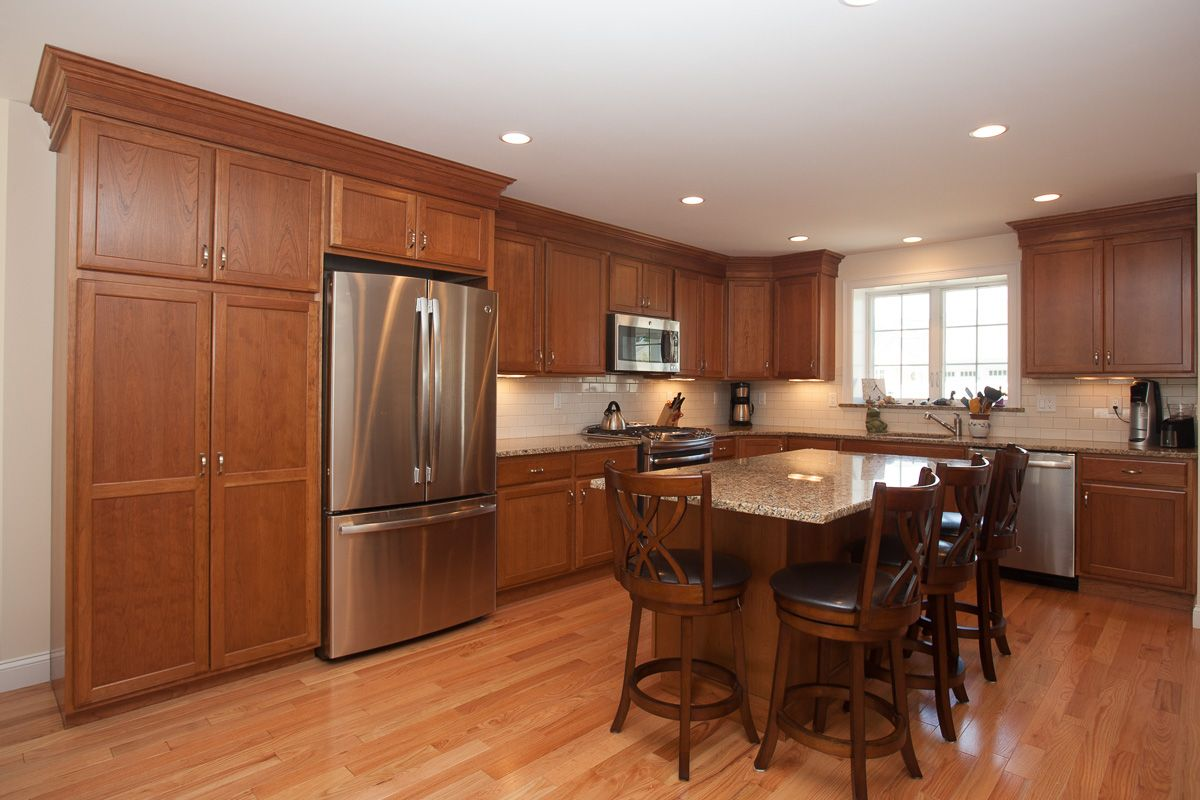 L Shaped Kitchen Design Medium Color Maple Kitchen Cabinets With Island Maple Kitchen Cabinets Kitchen Layout Kitchen Island Cabinets