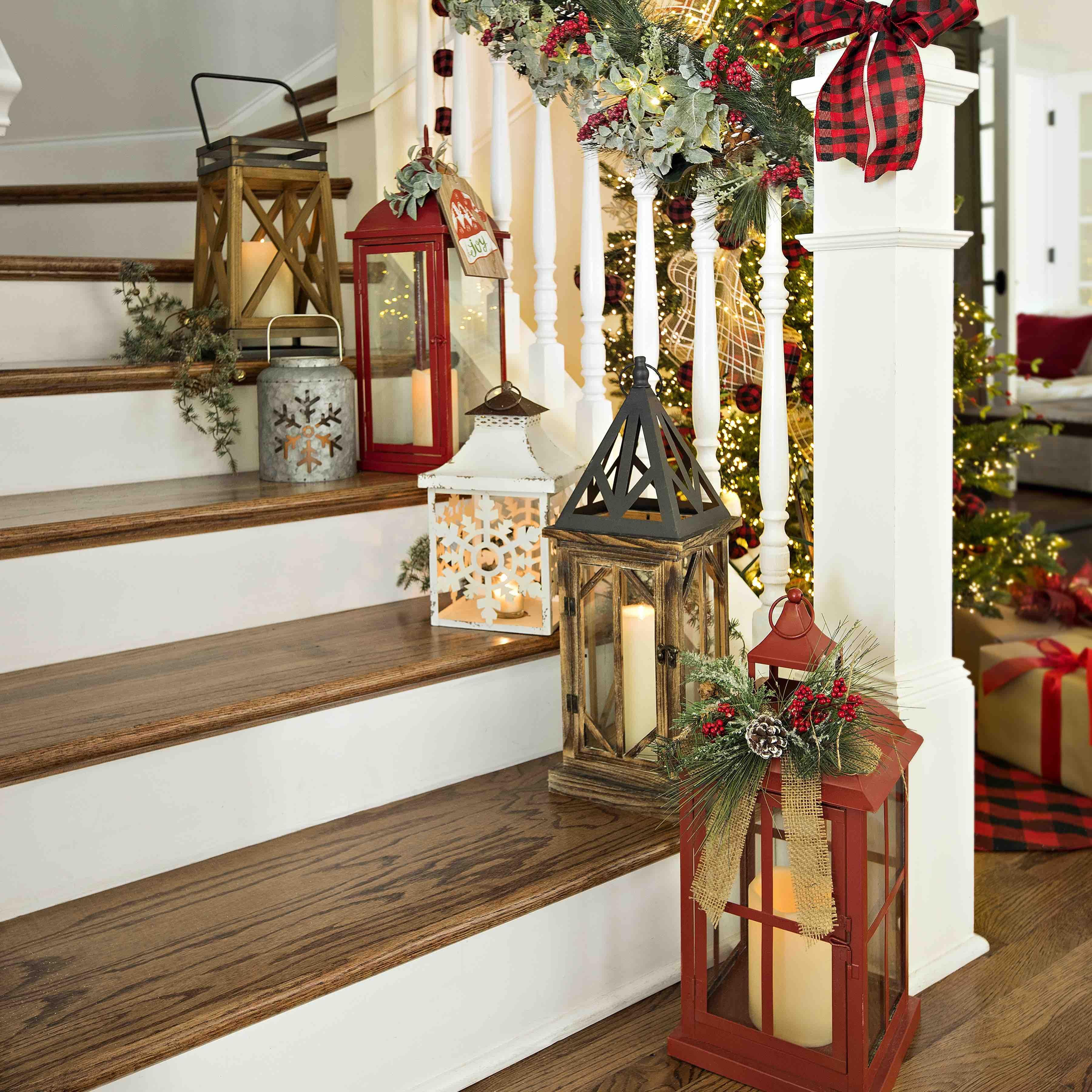 Lanterns Are A Holiday Decor Staple Christmas Entryway