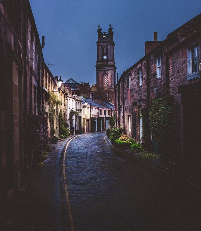 The stunningly picturesque Circus Lane in #stockbridge #Edinburgh  -  -  -  -  #ig_cityphoto #edinphoto #igersedinburgh #thisisedinburgh #loves_edinburgh #edonphoto #edonburghstory #hiddenedinburgh #exploreedinburgh #topedinburghphoto #edinburghsnapshots #ig_edinburgh #unvailededinburgh