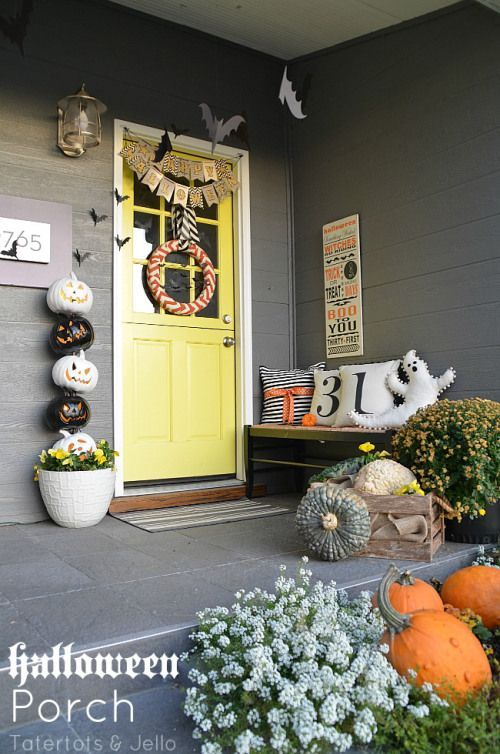 Halloween porch decoration and ideas! Holiday Decor and Projects - halloween window ideas