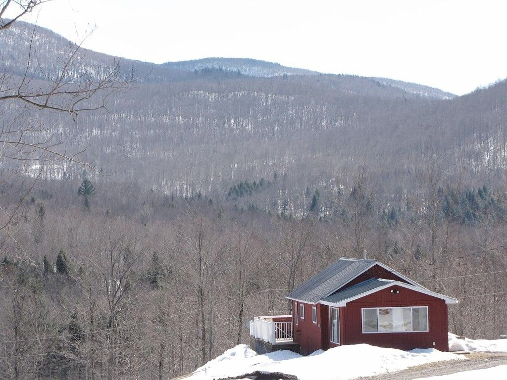 Montgomery Center Vacation Rental Vrbo 343436ha 1 Br Jay Peak Area House In Vt Hot Tub And Amazing Views Ski Mountain House Rental House Vacation Rental