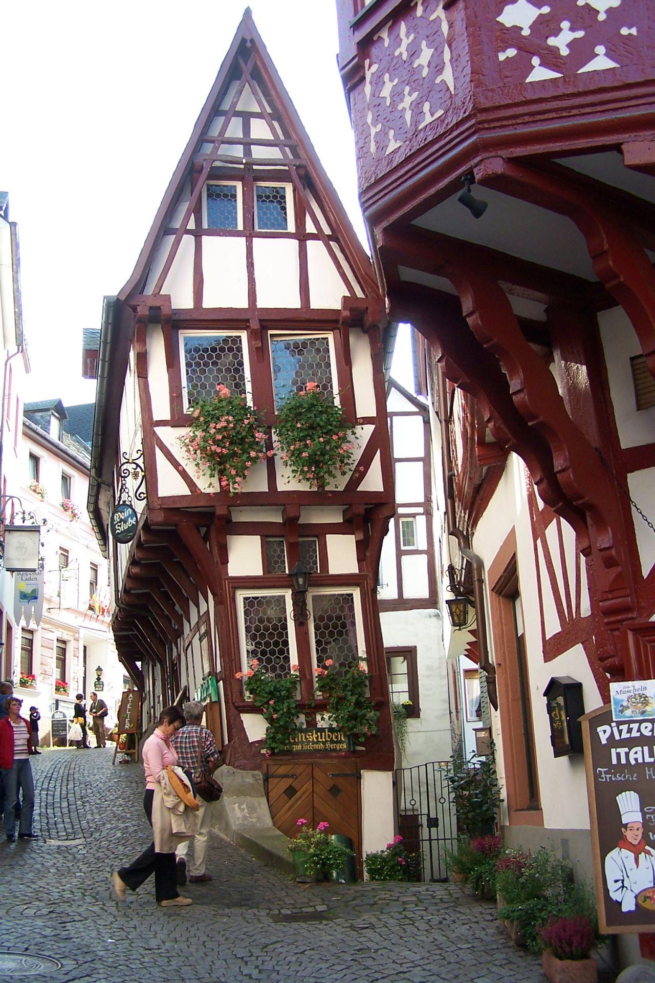 bernkastel kues rheinland pfalz southwestern germany travel pinterest deutschland. Black Bedroom Furniture Sets. Home Design Ideas