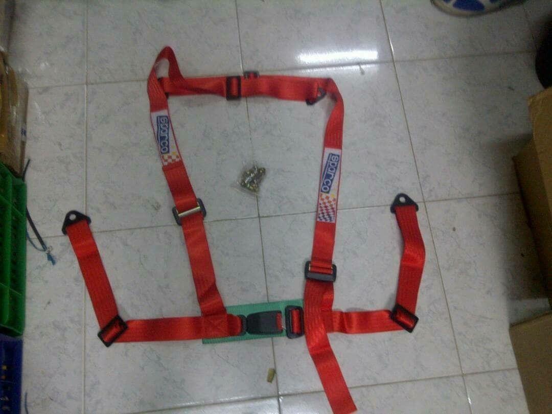 jual seat belt racing -warna merah -motif sparco.ukuran 2in.model jepit.4titik -harga satuan, tomato wtc 082210151782