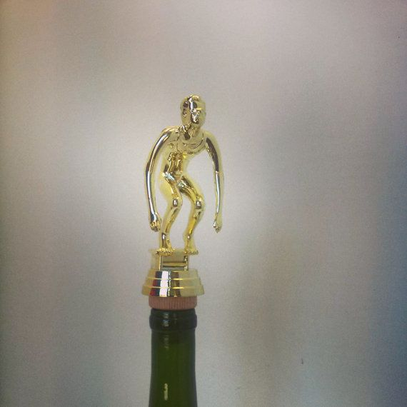 Swimmer Wine Topper www.etsy.com/shop/thedeorativecompany #wine #winestopper #winelover #trophywinestopper #swimminggift #swimmer #diving