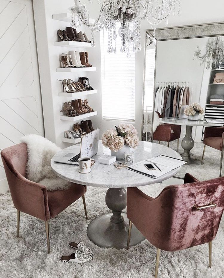 Scandinavian Homeoffice Design: This Unconventional Home Office By @stylinbyaylin Is Full