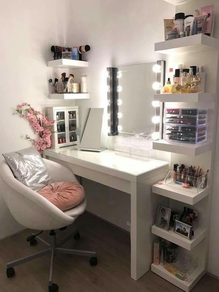 Betere Die schappen naast de makeup tafel | Slaapkamerdecoratie, Make-up TE-33