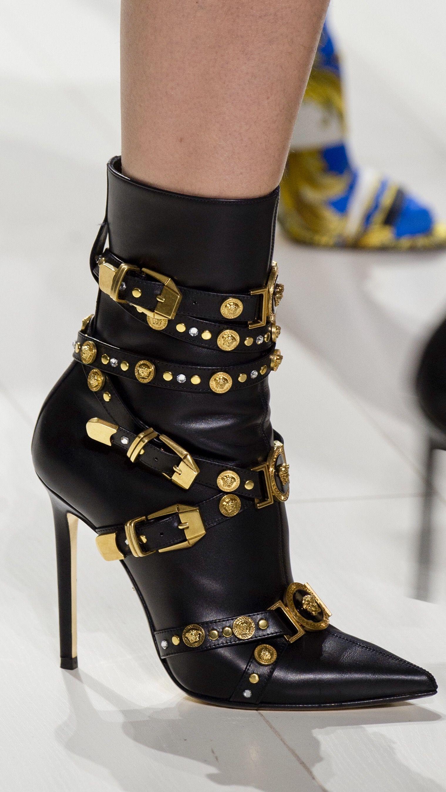 Boots, Fashion boots, Fashion shoes