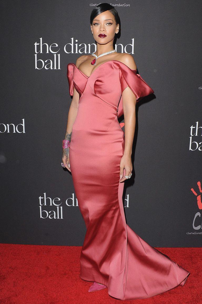 Rihanna celebrates her 30th birthday | Nice dresses, Zac ...