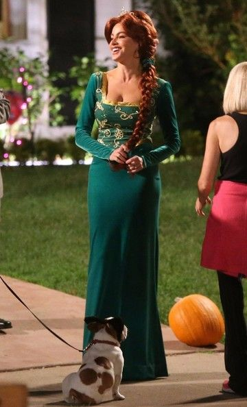 the 7 best halloween costumes worn by tv characters her campus - Tv Characters Halloween Costumes