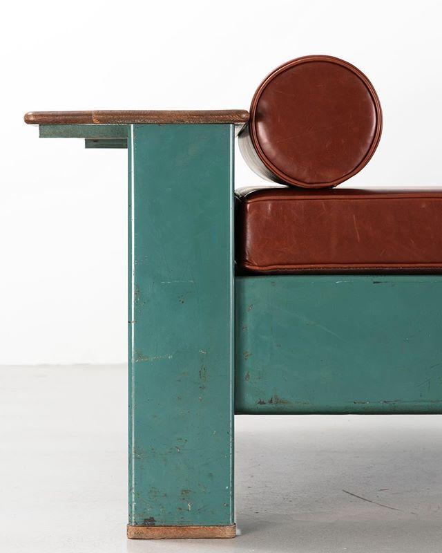 Canapé Jean Salon Decor Laskasas: Jean Prouvé Bed 102, 1936 #jeanprouvé #jeanprouve #prouvé
