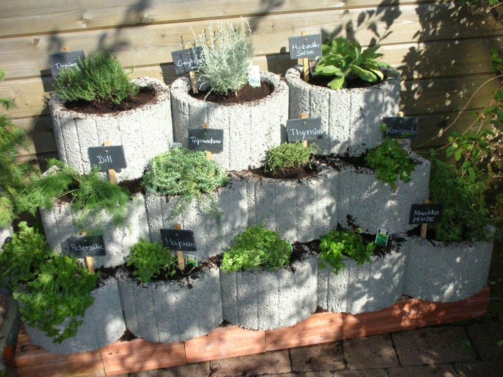die besten 25+ kräuterwand ideen auf pinterest, Gartengerate ideen