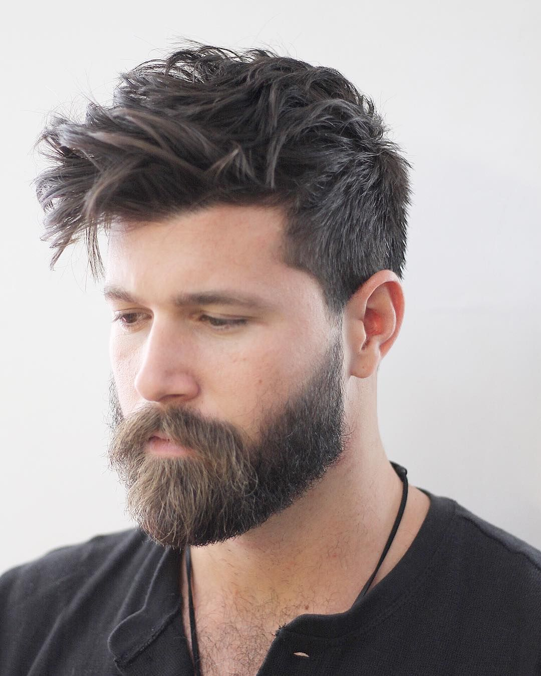 We Are Now Half Way Through 2017 So It Is Time To Take A Look At The Best Haircuts For Men We Have Seen Thi Beard Styles Thick Hair Styles Long