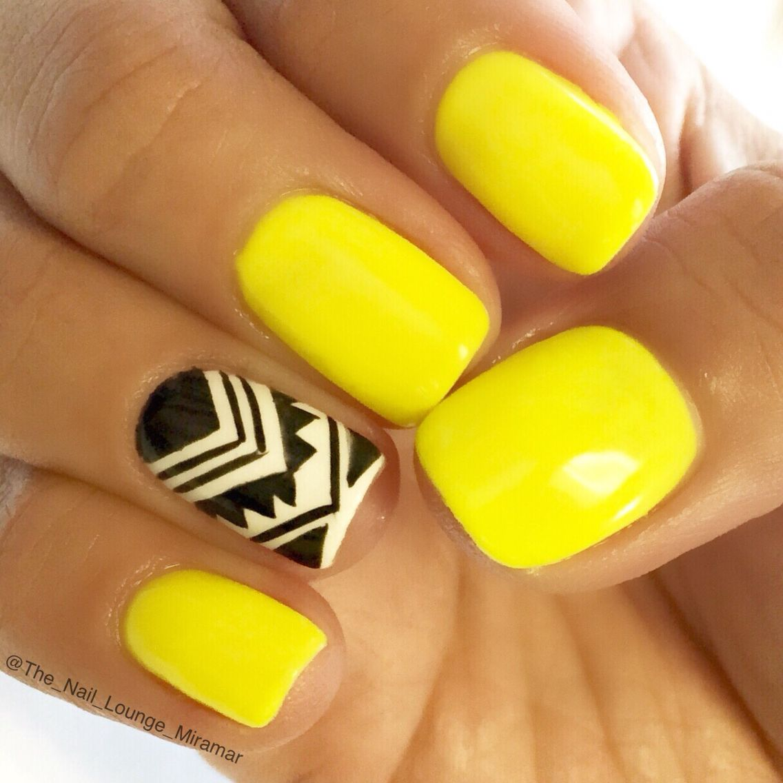 Tribal nail art design | Nail Art | Pinterest | Uñas verano y Verano