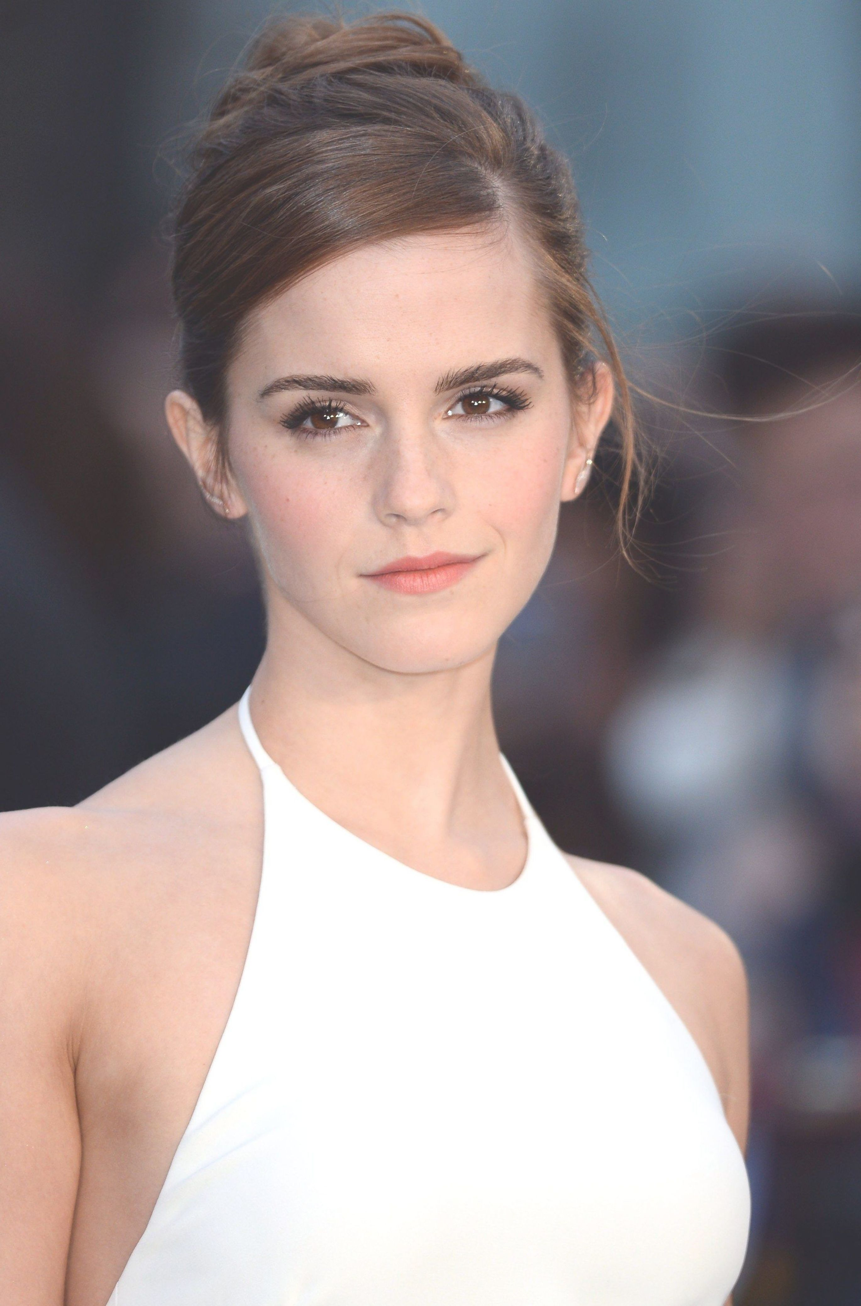 Emma Watson Middle aged women hairstyles, Womens