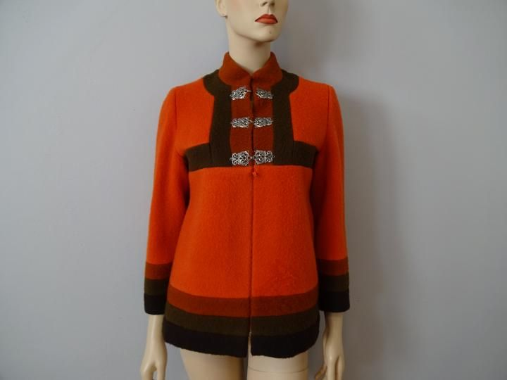 https://www.rubylane.com/item/676693-CLO16-131/Mod-Wool-Womens-Jacket-Vintage-1970s?search=1 Mod vintage 1960s color block womens wool jacket in fall colors. Wool boucle jacket in marvelously mod shape and design. Twiggy would have love...