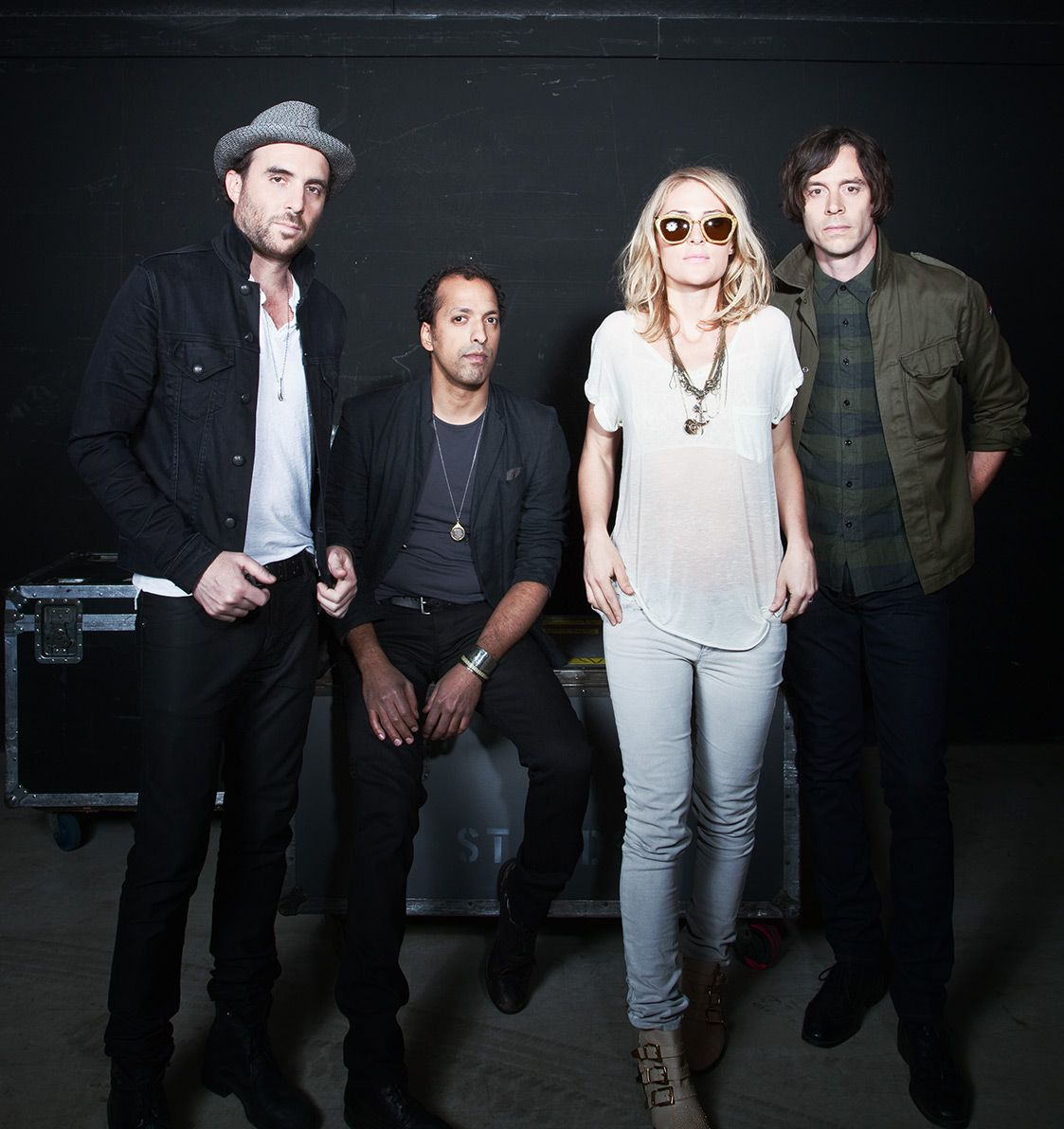 Alternative Rock Female Singers 2012: Best 25+ Metric Band Ideas On Pinterest