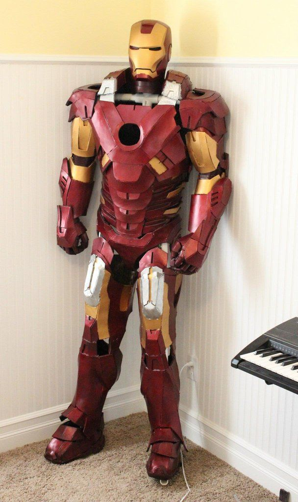 Iron Man Cardboard : cardboard, These, Cardboard, Suits, Seriously, Impressive, Suit,, Wallpaper,
