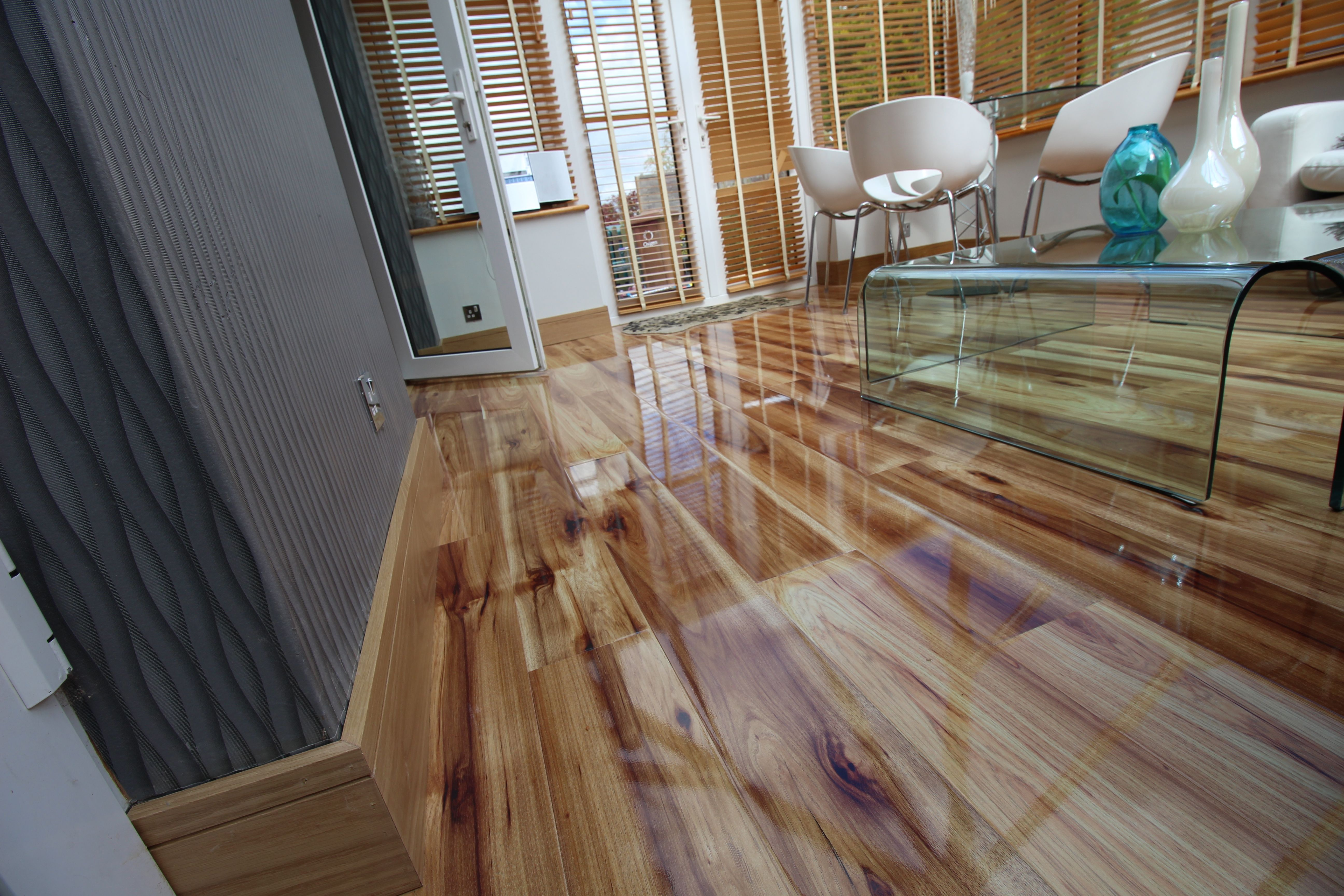 Hickory Gloss Laminate Floors Parketta