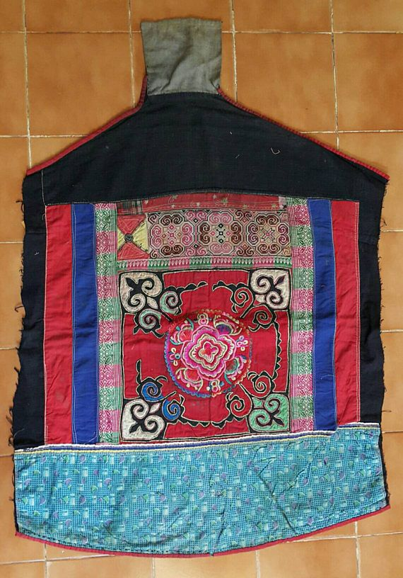 Hey, I found this really awesome Etsy listing at https://www.etsy.com/uk/listing/514334248/vintage-hmong-miao-baby-carrier-h231